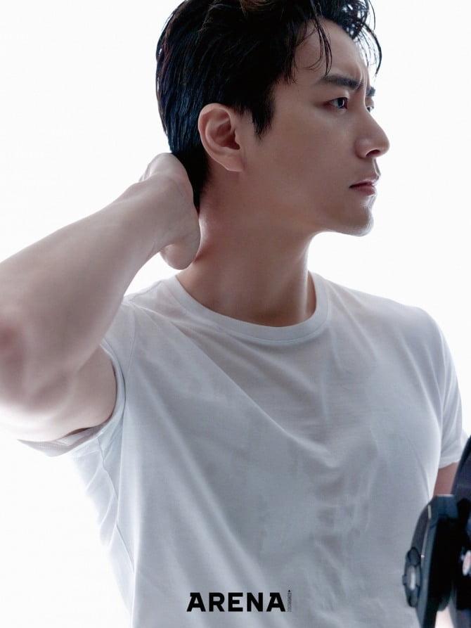 이준혁, '스타일리시' 감각적 화보 공개