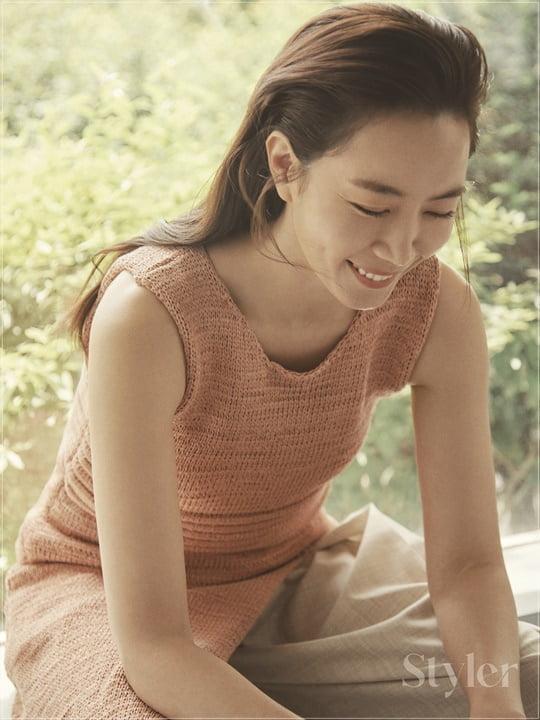 김유미, 내추럴 감성 돋보인 화보 '눈길'