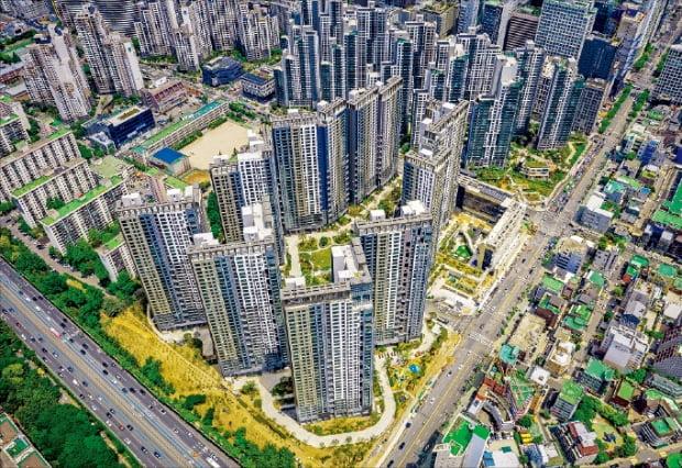 이달 말 입주를 시작하는 1446가구 규모의 서울 서초구 서초동 '서초그랑자이'.  GS건설 제공