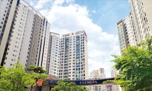 전농7구역을 재개발해 2013년 입주한 서울 전농동 래미안크레시티.  장현주  기자