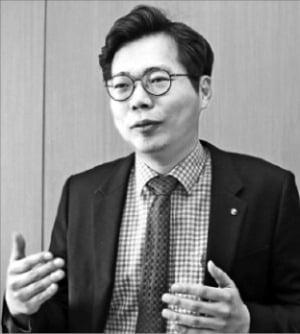 """정성한 센터장  """"하반기 실적장세 온다…삼성전자·현대차 다시 뜰 것"""""""