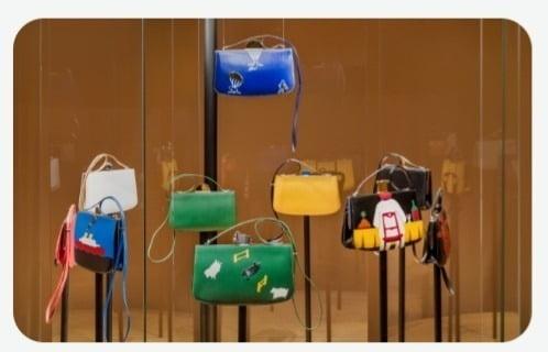 2021년 5월 22일 ~ 6월 6일 디뮤지엄에서 전시된 '유머가 있는 가방들'(사진 ③)