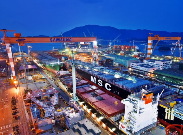 (사진) 삼성중공업 거제조선소 야경. /삼성중공업 제공