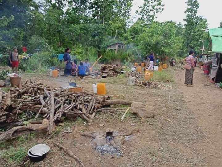 """피란민 위한 쌀·의약품도 불태운 미얀마 군부…""""반인도적 범죄"""""""