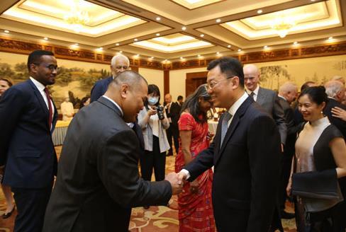 G7·나토 업은 미국 파상공세 속 중국 '빈틈 공략' 가속