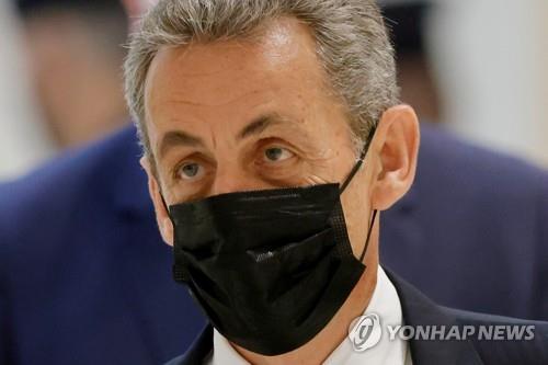 '2012년 佛 대선자금 불법조성' 사르코지에 징역 6개월 구형