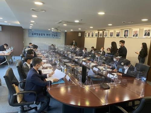 """미디어 업계 수익 갈등 진짜 배경은…""""OTT 전환기 주도권 다툼"""""""