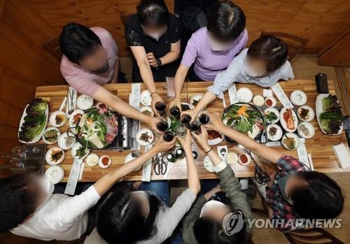 새 거리두기 '풍선 효과' 어쩌나…비수도권 자치단체 방역 고심