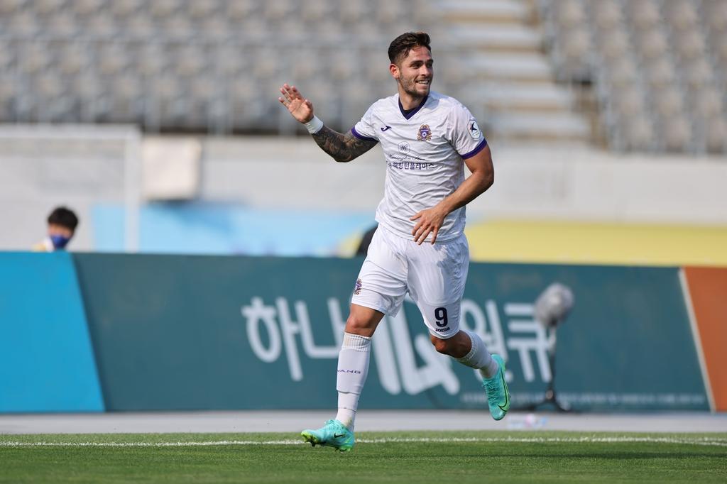 '멀티골' 안양 조나탄, K리그2 17라운드 MVP