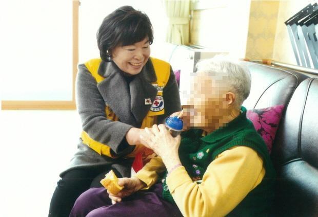 [#나눔동행] 33년 봉사활동으로 '울산 자원봉사 명예의 전당' 오른 서귀연씨