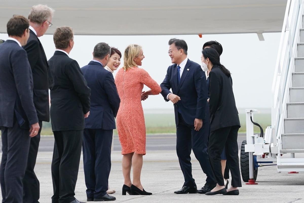 문 대통령이 G7 정상회의에 참석하기 위해 현지시간으로 11일 영국 콘월을 방문했다. (청와대 제공)