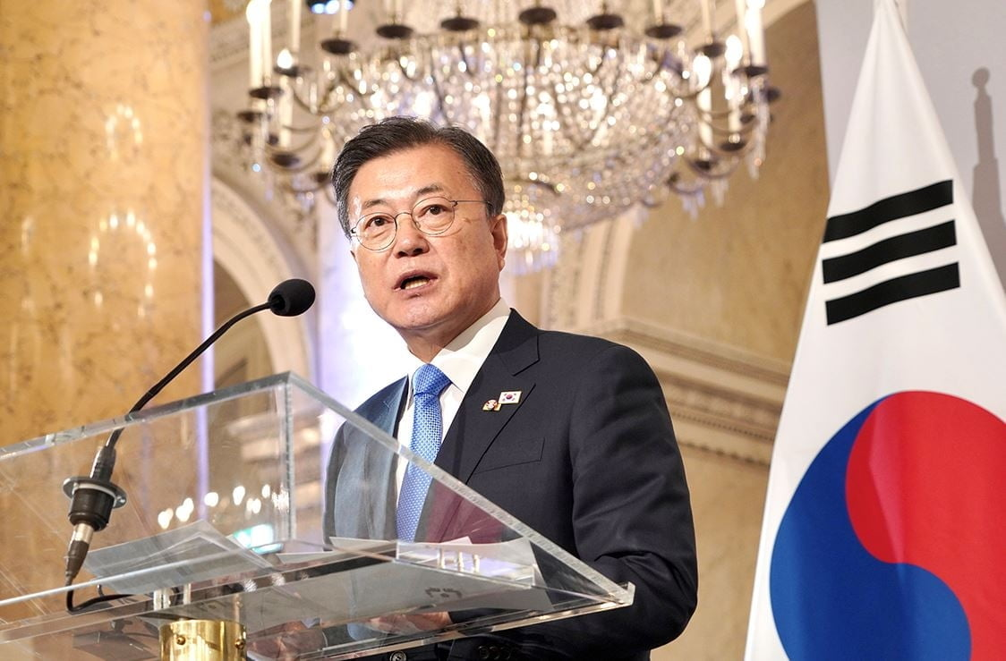 """문 대통령 """"북한 동의하면 백신공급 협력 적극 추진"""""""