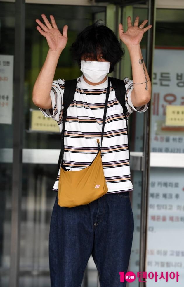 [TEN 포토] 이상순 '순수남의 멋진인사'