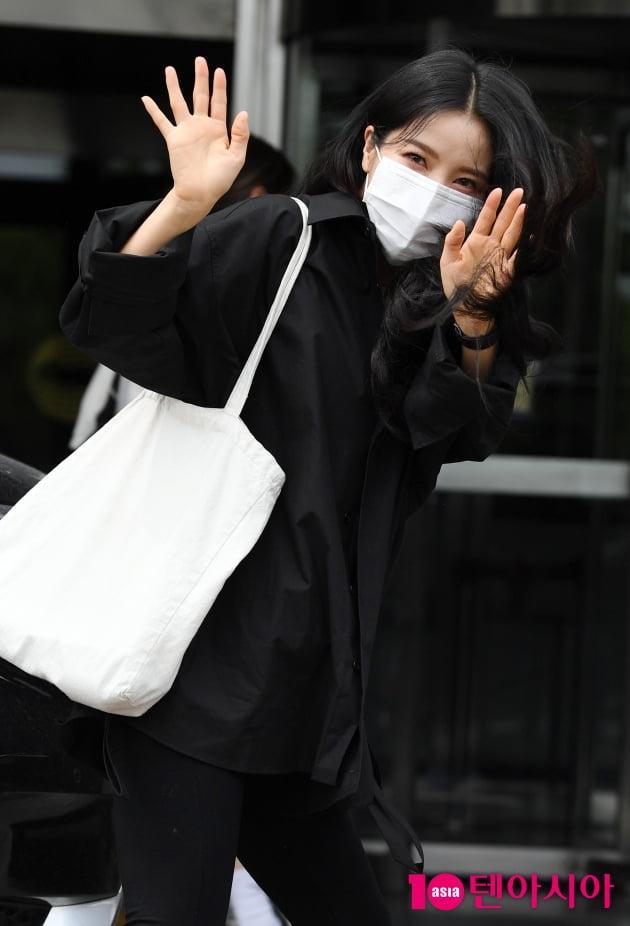 [TEN 포토] 마마무 솔라 '사랑스러운 눈맞춤'