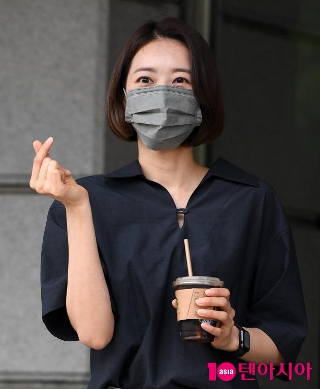 [TEN 포토] 왕지혜 '아이스 커피 사랑합니다'