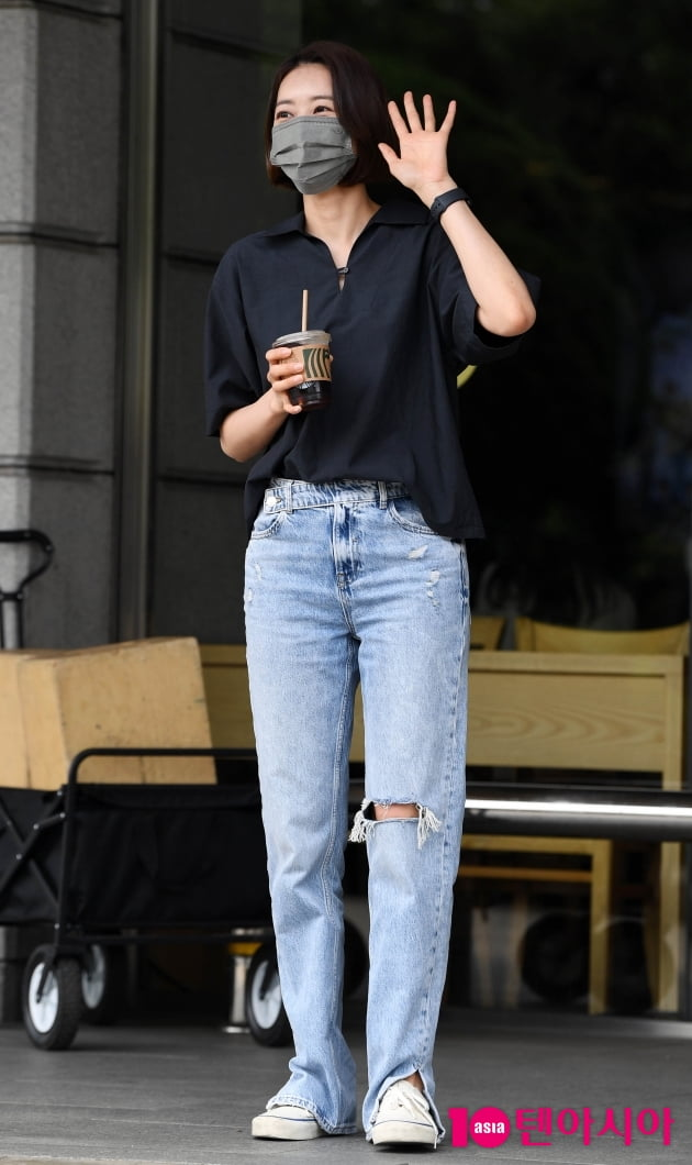 [TEN 포토] 왕지혜 '청바지가 잘 어울리는 여자'