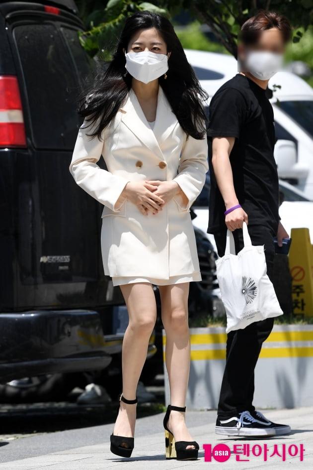 [TEN 포토] 김현수 '배로나 점점 이뻐지네'(펜트하우스3)