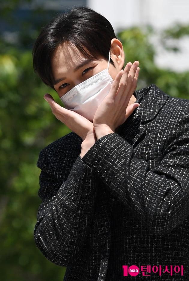 [TEN 포토] 김영대 '귀엽게 꽃받침'(펜트하우스3)
