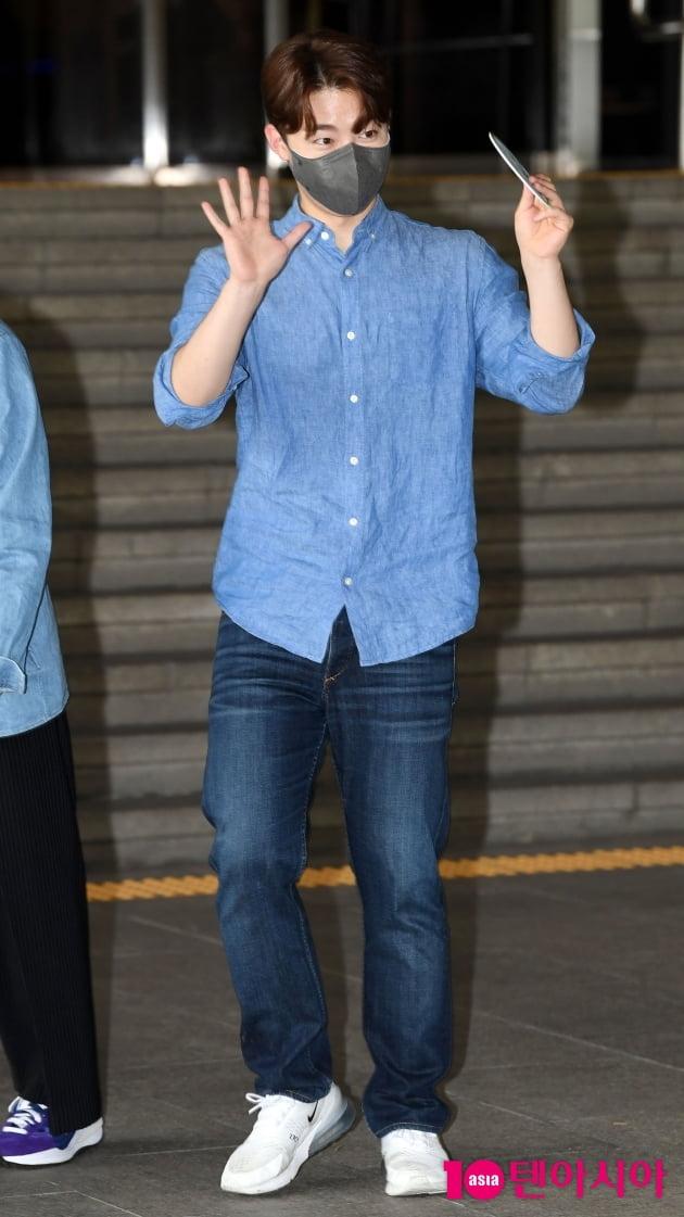 [TEN 포토] 레떼아모르 길병민 '청청패션도 완벽하게 소화'