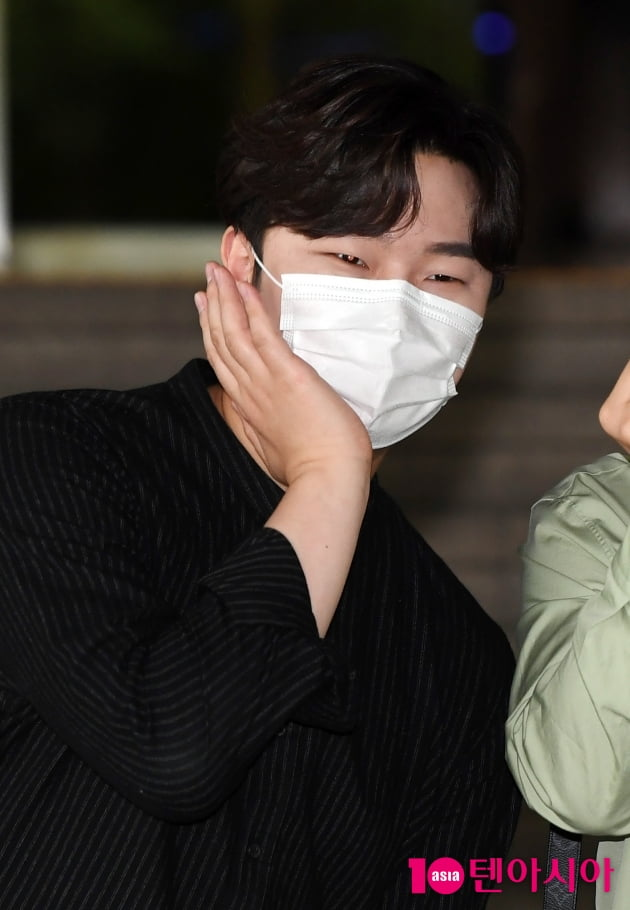[TEN 포토] 라비던스 고영열 '깜찍하게...'