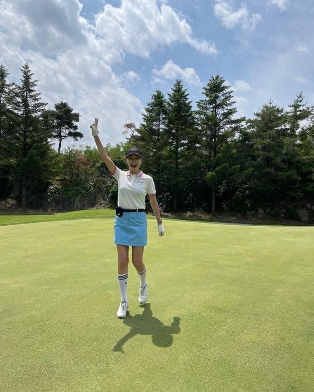 '인교진♥' 소이현, 골프복 풀착장+자외선 차단 패치…필드서도 피부 관리 [TEN★]