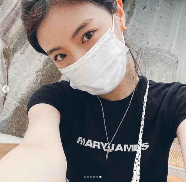 '♥이광수'이선빈, 행복바이러스 여신 그 자체[TEN★]