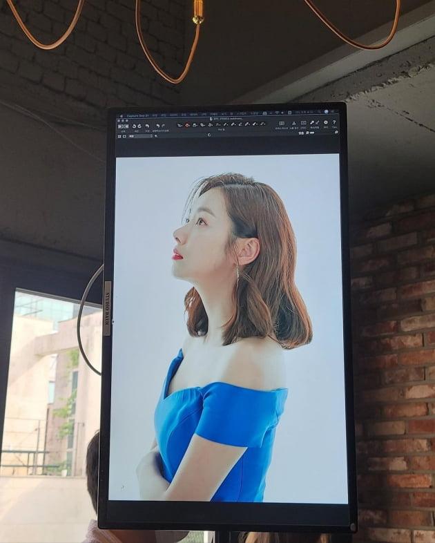'인교진♥' 소이현, 시원하게 파인 오프숄더+빨강 구두 '현대판 백설공주' [TEN★]