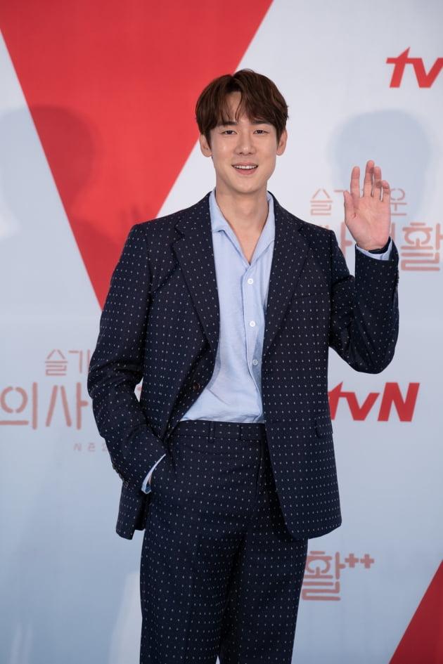 배우 유연석이 10일 오후 온라인 생중계된 tvN 새 목요드라마 '슬기로운 의사생활 시즌2' 제작발표회에 참석했다. /사진제공=tvN