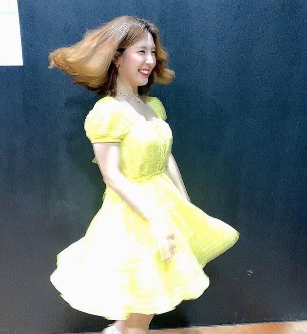 '오뚜기3세' 함연지, 턴으로 뽐낸 16만원짜리 레몬 원피스 '상큼' [TEN★]