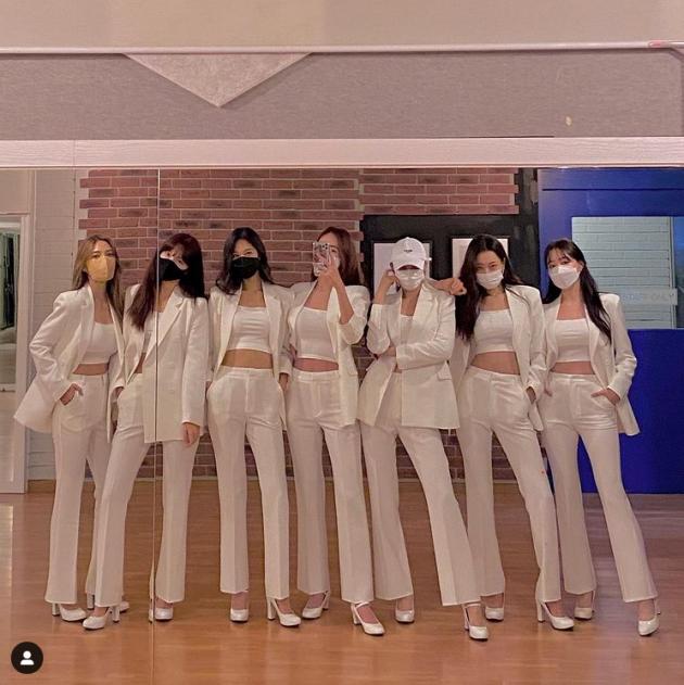 '컴눈명' 출연하는 걸그룹 나인뮤지스/사진 = 문현아 인스타그램
