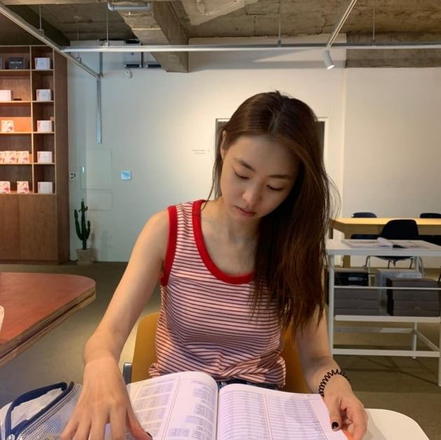 """'34세' 이연희, 새내기 여대생인 줄 """"영어 공부 다시 시작"""" [TEN★]"""
