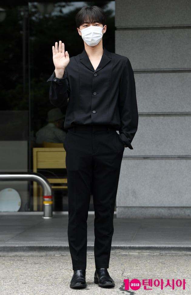 [TEN 포토] 배인혁 '머리부터 발끝까지 시크한 블랙'