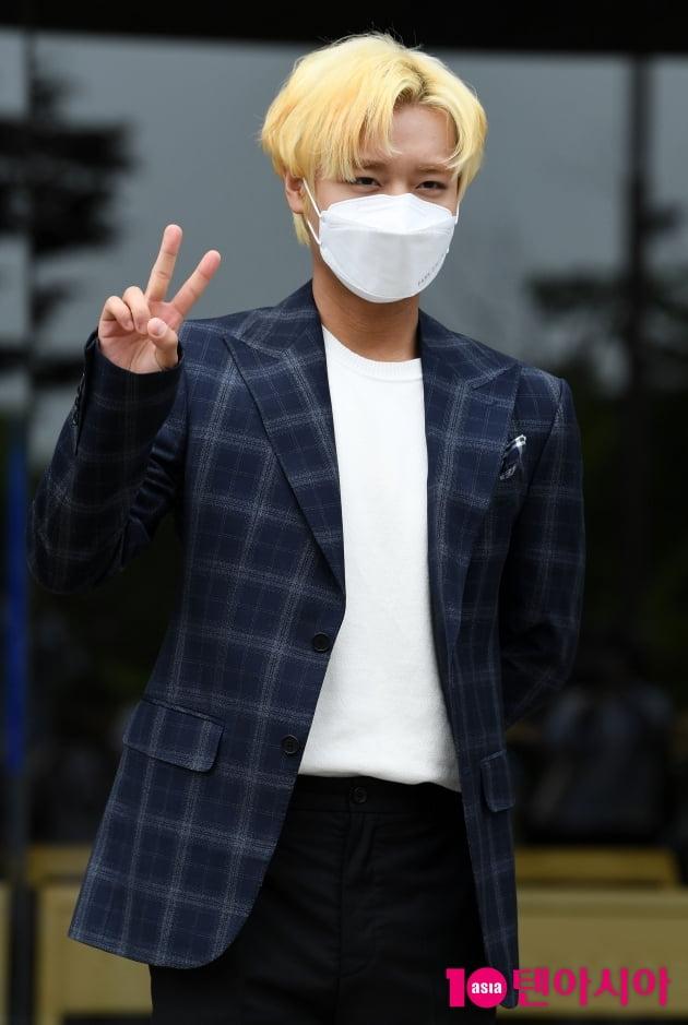 [TEN 포토] 박지훈 '브이로 귀염뽀작'