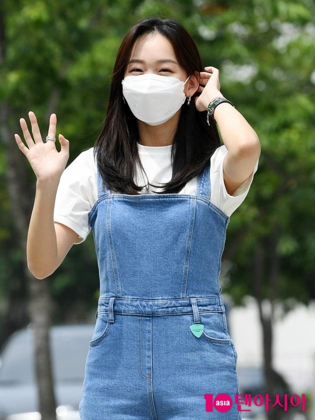 [TEN 포토] 진기주 '애교 눈웃음'