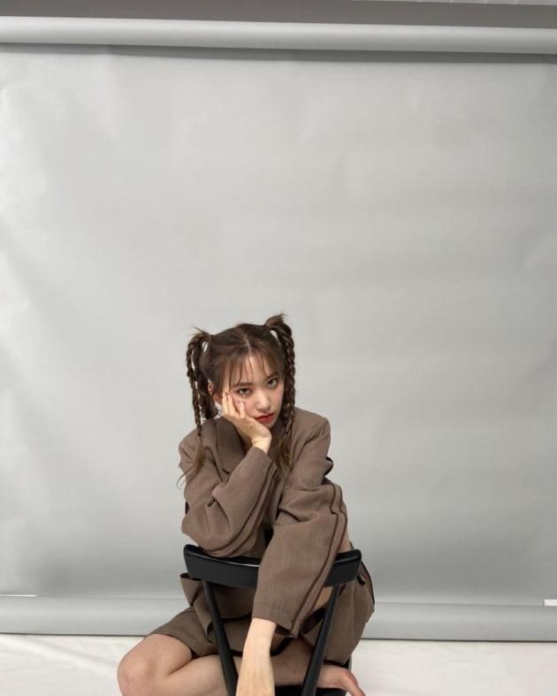미야와키 사쿠라, 머리를 여섯 갈래로 묶어도 예뻐 [TEN★]
