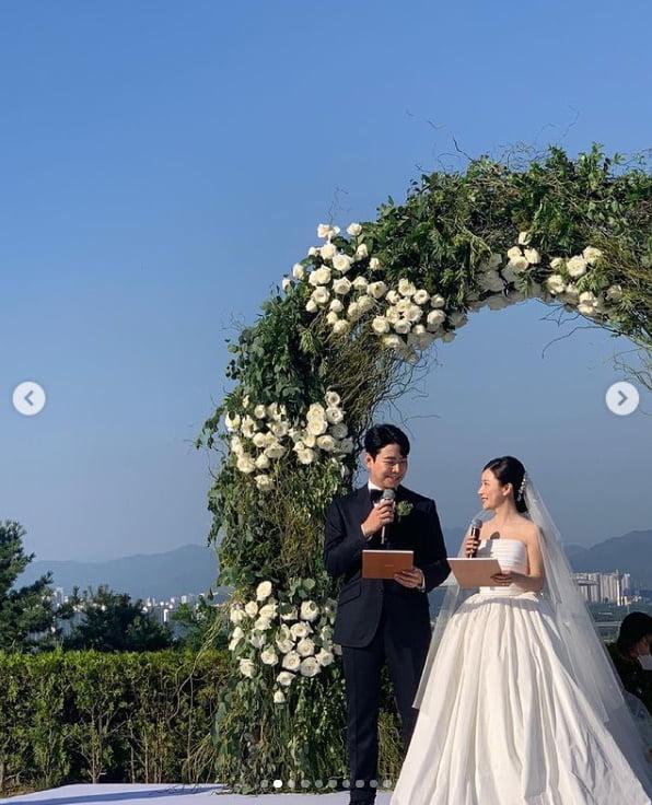 """'이욱♥' 벤, 결혼식 사진 공개...""""행복하게 잘 살겠습니다""""[TEN★]"""