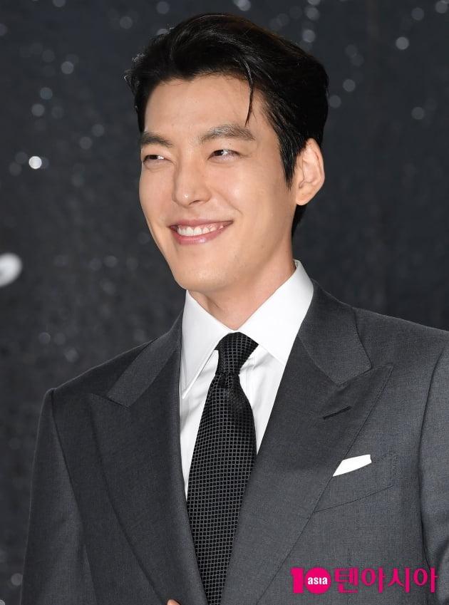 [TEN 포토] 김우빈 '꿀 떨어지는 꽃미소'
