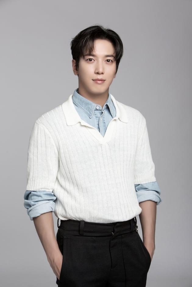 '대박부동산' 배우 정용화/ 사진=FNC엔터테인먼트 제공