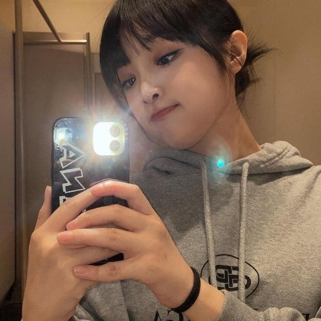 """아이즈원 출신 최예나, 귀여운 오리입 """"오잉"""" [TEN★]"""