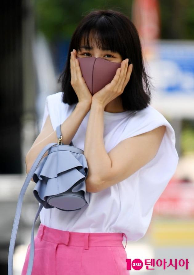 [TEN 포토] 박하선 '방송국에 핀 핑크꽃'