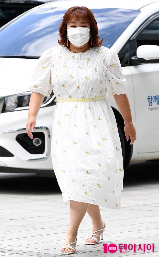 [TEN 포토] 김민경 '먹방요정 우아한 화이트'