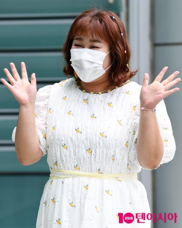 [TEN 포토] 김민경 '해맑은 인사'