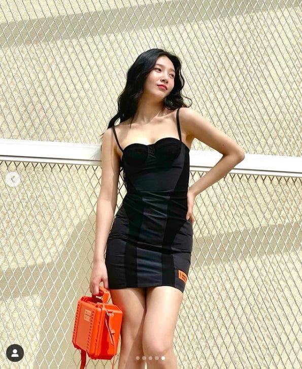 레드벨벳 조이, 뜨거운 햇살아래 핫한 미모[TEN★]