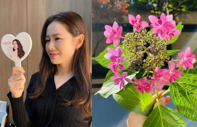 배우 손예진(왼쪽)/ 사진=인스타그램