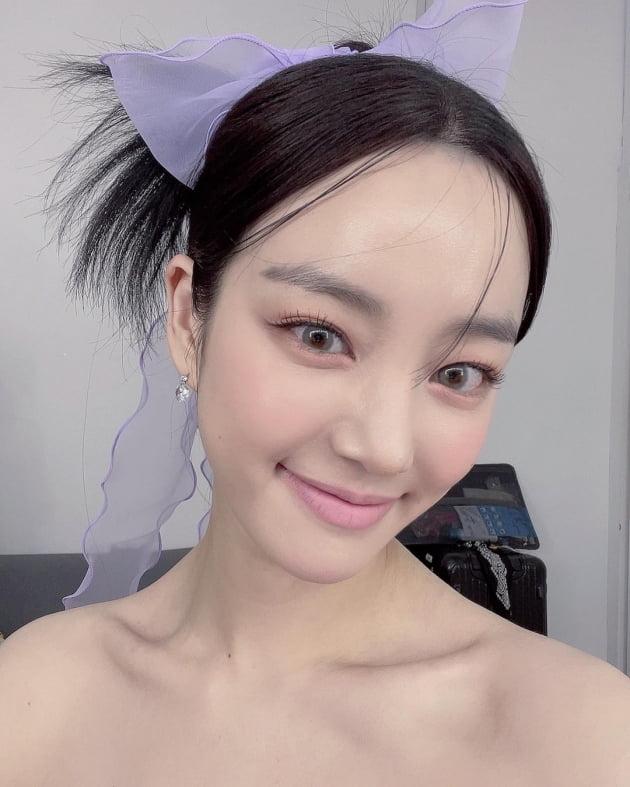 이유비, 이승기♥이다인 열애+그림 논란 뒤 입술이 하얘졌네 [TEN★]