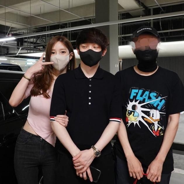"""'전선욱♥' 야옹이 작가, 3억대 페라리 시승 인증샷 """"아쉬워"""" [TEN★]"""