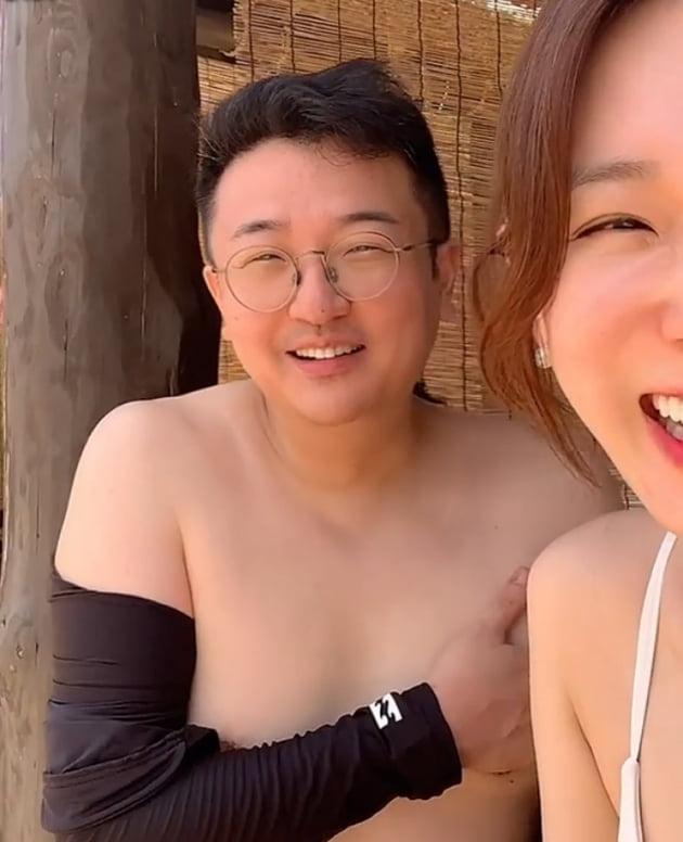'문재완♥' 이지혜, 둘째 임신 중에도 멋진 비키니 몸매…제주 휴가 중 [TEN★]