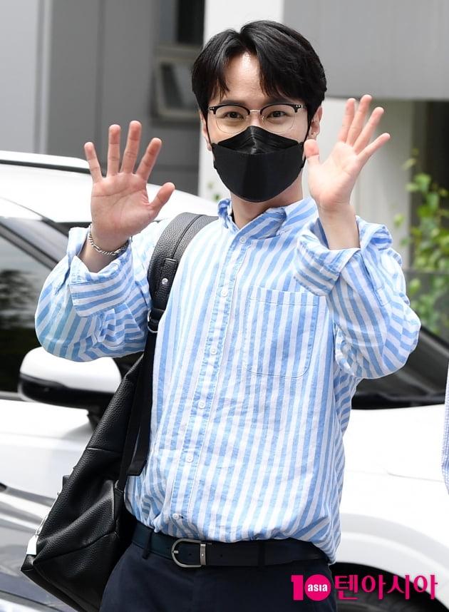[TEN 포토] 라포엠 최성훈 '여심 사로잡는 인사'