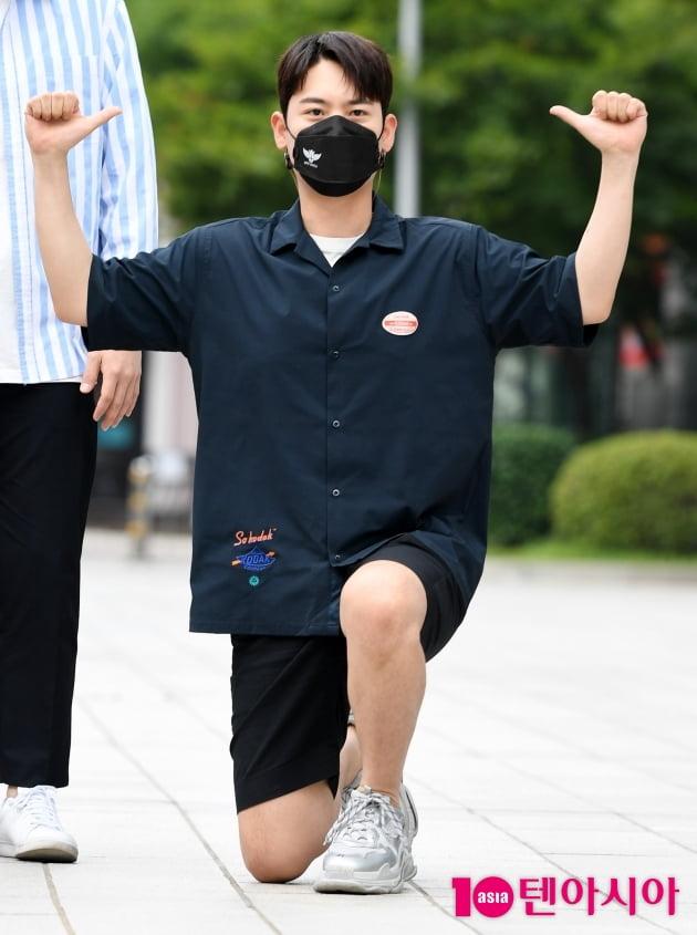 [TEN 포토]라포엠 유채훈  '아우라 발산하며 단독포즈'