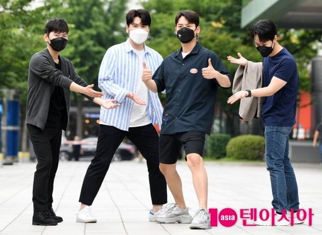 [TEN 포토]라포엠 '우리대표 포즈왕 유채훈'